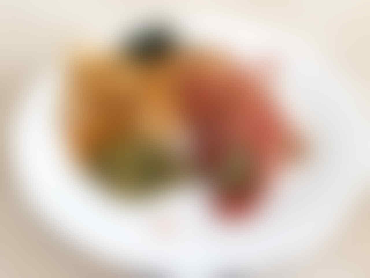 Sebut Makanan Anjing Lebih Enak dari Gudeg, Bule Ini Diprotes Keras Netizen