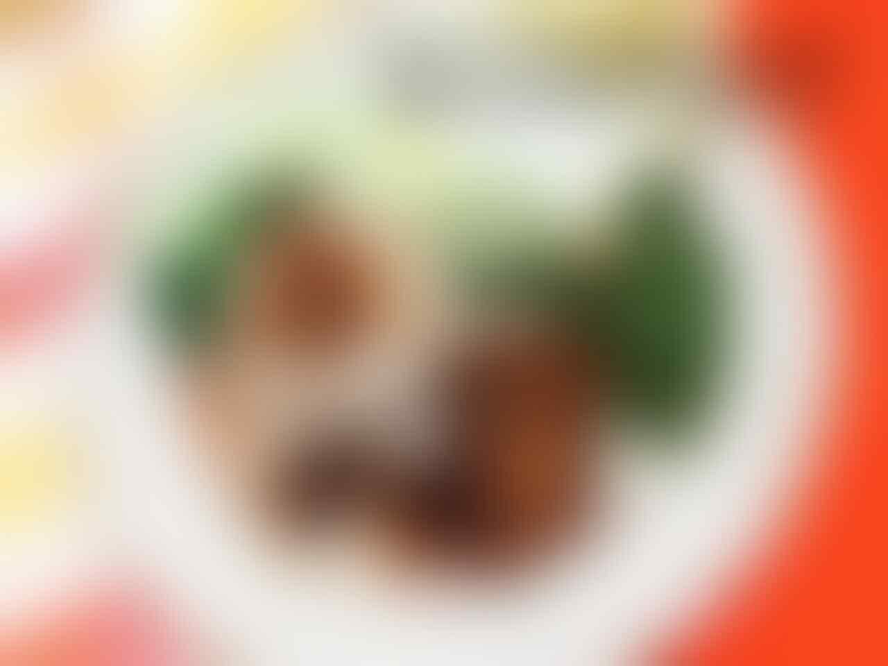 [COC Regional: Makanan Tradisional] Bosen Sama Nasi Putih? Cobain Nasi Tutug Oncom