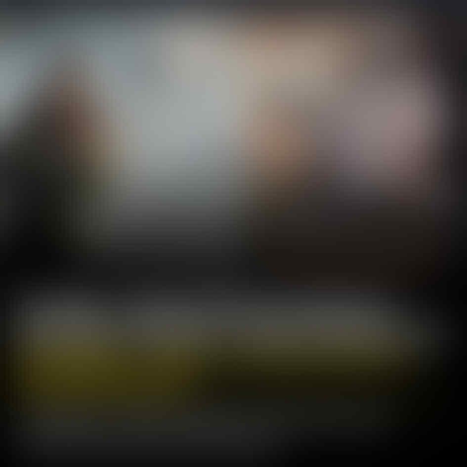 Percaya Rokok Bisa Cegah Corona, Kepala Keluarga Ini Ajak Anaknya Merokok Bersama