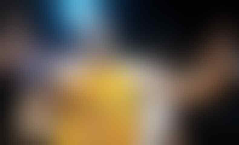 Wow, Handuk Bekas Kobe Bryant Laku Lebih dari Setengah Miliar Rupiah