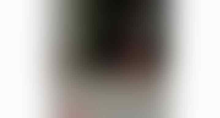 Heboh, Video Rekaman Seorang Pria Shalat dengan Gerakan Aneh! Siapakah Dia?