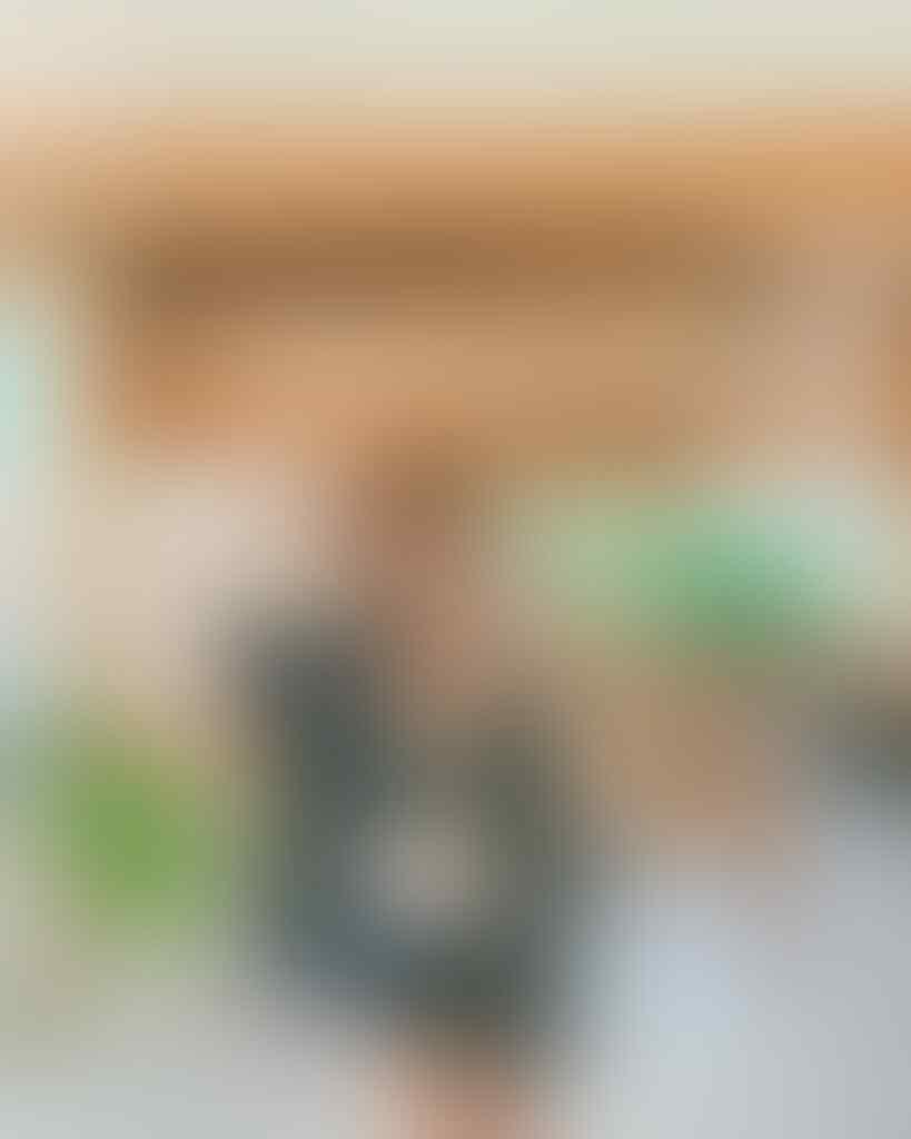 Seksi Dengan Bikininya Di Labuan Bajo, Kata Netizen Awkarin Body Goals Banget!