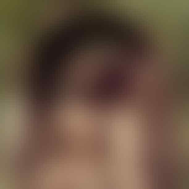 Davika Hoorne, Hantu Cantik Dalam Film Pee Mak Yang Bikin Gemetaran