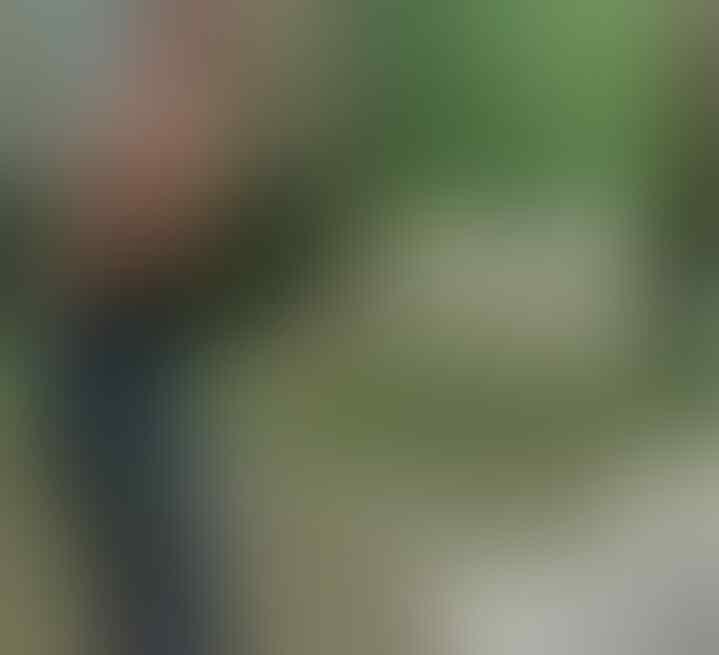 Seru! Gadis Ini Mandi dan Hujan-hujanan di Parit, Siapa yang Dulu Kayak Gini?