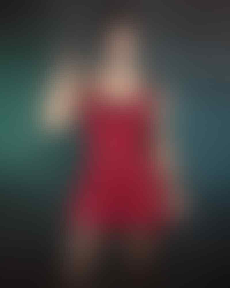 Siapkan Mata! Cosplayer Cantik Asal Hungaria Berdandan ala Claire Redfield dari RE