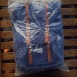 herschel-supply-co--little-america-backpack-navy-mid-volume