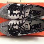 flyknit-racer-black-and-white