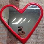 kaca-ikea-vanna-heart-shaped-mirror