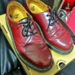 dr-martens-1461-size-9-cherry-red-3-eyelet-2nd
