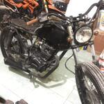 gl-pro-1993-black-engine-145cc-custom-apa-adanya