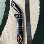 pisau-hitam-kuno-ukir-langka