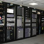 pembangunan-server-room-data-center-it-kontraktor-komputer-rak-server-etc