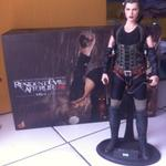 resident-evil-hottoys-1-6-scale-alice-afterlife-edition
