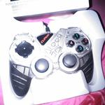 game-pad-cliptec-like-new