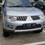 pajero-exceed-2011-warna-silver