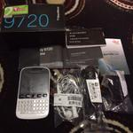blackberry-9720-pure-white-like-newmuluss
