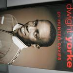 jual-buku-the-official-biography-dwight-yorke---manchester-united