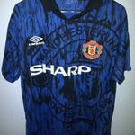 manchester-united-jersey-1993-94-1994-95-tiger-cantona
