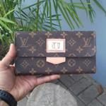 louis-vuitton-lv-monogram-wallet