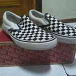 vans-classic-slip-on-checkerboard