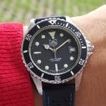 original-80s-tag-heuer-1000-submariner-black-professional-200m-in-good-condition