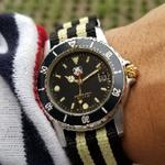 original-90s-tag-heuer-1500-professional-200m-two-tone-2t-black-and-yellow-gold