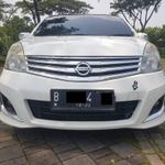 nissan-grand-livina-15-ultimate-at-2012-whitekenyamanan-sepanjang-perjalanan