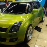 suzuki-swift-15cc-hijau-green-lime-2010