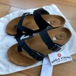 new-freeong-noble-string-john-kay-leather-sandals---black