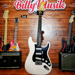 billy-musik-squier-affinity-stratocaster-in-shell-pink-cii-2000