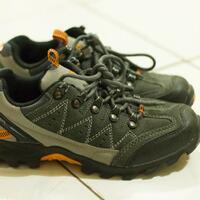 jual-rugi-sepatu-gunung-hiking-eiger-w116-size-39