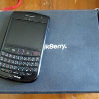 blackberry-9650-bold-essex-tour2-black-3g