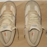 jual-sepatu-ellesse