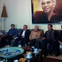 suhardiman-si--dukun--politik-golkar-haqul-yakin-jokowi-jk-menang