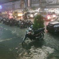 jambi-dalam-banjir-kinerja-walikota-dan-gubernur-dipertanyakan