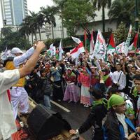 ribuan-massa-komunitas-one-day-one-juz-odoj-gelar-aksi-solidaritas-palestina