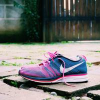 nike-flyknit-trainer-squadron-blue-pink-flash