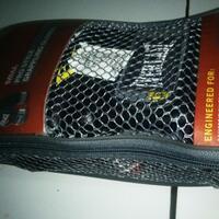 martial-art-equipment-gloves-tinjummahandwrapsansaktarget-pad