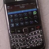blackberry-9700-onyx-1-hitam-batangan-sedikit-minus