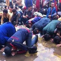 tak-hanya-polisi-mahasiswa-ini-juga-sujud-syukur-untuk-bg