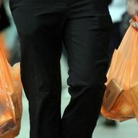 mulai-21-februari-belanja-pakai-kantong-plastik-bayar-rp-200