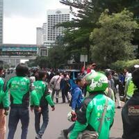 demo-anarkis-taksi-di-jakarta-boikottaksi