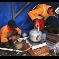 pemulung-buat-kopi-dan-masakan-dengan-gas-metan-sampah