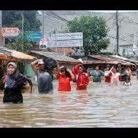 ribuan-rumah-di-bima-terendam-banjir-hingga-dua-meter