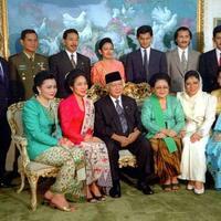 5-keluarga-fenomenal-di-indonesia-kardashian-bersaudara-lewat