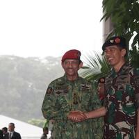 oleh-oleh-sultan-brunei-dari-indonesia-senjata-dan-tank-anoa-pindad