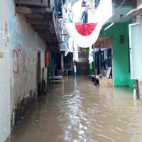 banjir-1-meter-genangi-permukiman-warga-di-kebon-pala