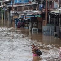 jakarta-timur-jakarta-selatan-banjir-akibat-luapan-kali-ciliwung