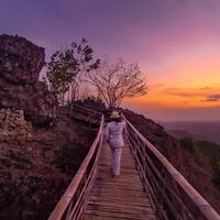 watu-goyang-destinasi-wisata-spot-foto-di-jogja-paling-instagramable