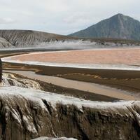 pvmbg-tanggapi-aksi-nekat-wna-dekati-kawah-anak-krakatau